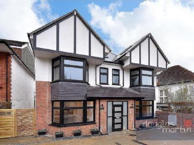 Rundell Crescent, London NW4