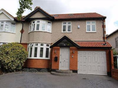 Dale View Crescent, North Chingford, London E4