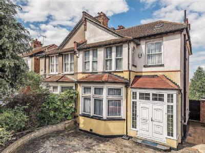 Green Dragon Lane, Winchmore Hill, London N21