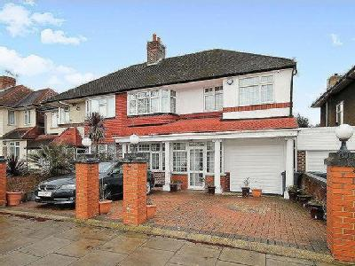 Thorncliffe Road, Southall UB2