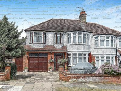 Woodland Way, Winchmore Hill, London N21