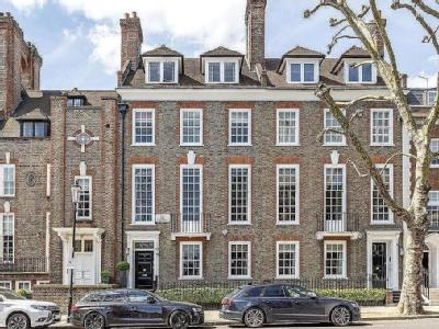 The Vale, London, SW3 - Terraced