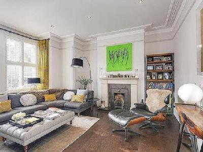 Onslow Gardens, Muswell Hill, London, N10