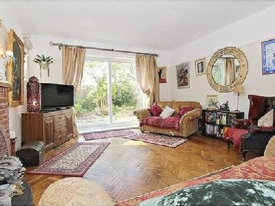 5 bedroom house for sale - Patio