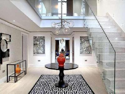 Prince Consort Drive - High Ceilings