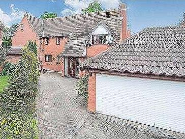 House for sale, The Spinney - Garden