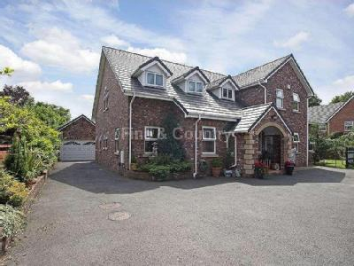 House for sale, College Court - Patio