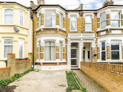 House to rent, Kings Road - Modern