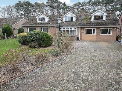 9 Spa Road, Woodhall Spa - Bungalow