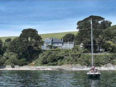 Flushing, Falmouth Harbour, South Cornwall, TR11