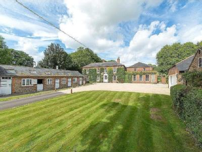 Rhonehurst House, Upper Lambourn, Hungerford, Berkshire, RG17