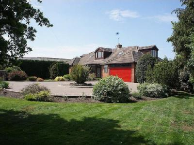 Liverpool Road, Lydiate - Detached