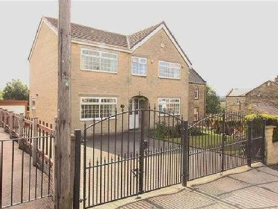 Owlcotes Road, Pudsey, LS28 - Garden