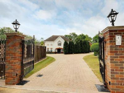 Bluebell Drive, Goffs Oak, Hertfordshire
