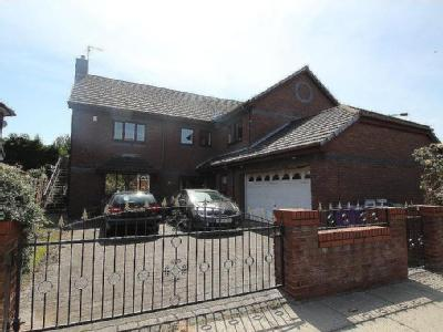 Barchester Drive - Detached, Garden
