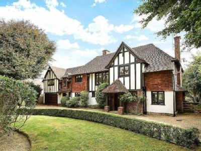 House for sale, East Horsley