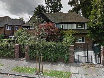 Cedars Close, Hendon - Detached
