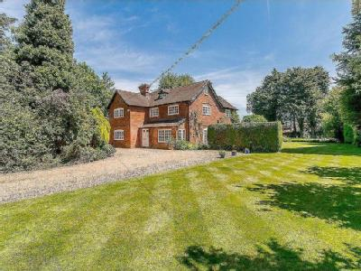 Satwell Close, Rotherfield Greys, Henley-on-Thames, Oxfordshire, RG9