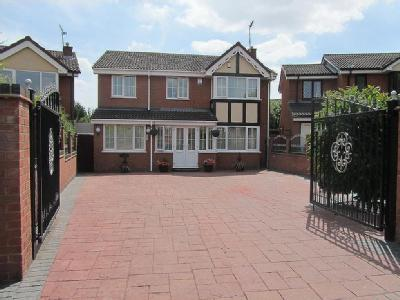Tewkesbury Drive, Bedworth - Detached