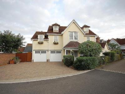 Petworth Close, Great Notley, Braintree, CM77