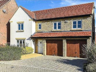 Goodwood Close, Bicester - Detached