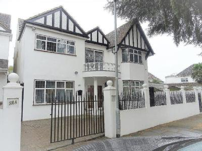 Jersey Road, TW5 - Detached, Balcony