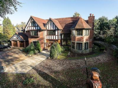 Rappax Road, Hale - Detached