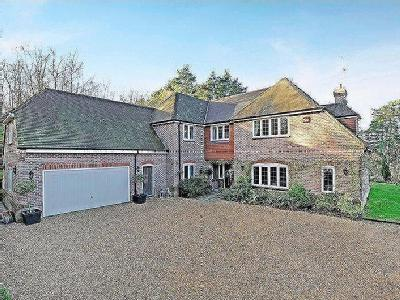 Chase Lane, Haslemere - Detached