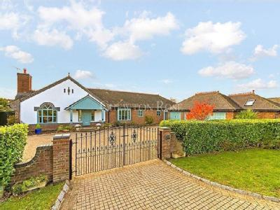 House for sale, Loughton - Detached