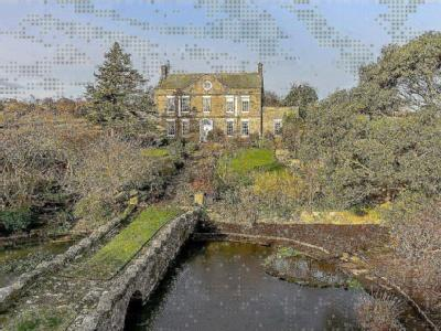 Pond House, 34 Main Road, Aislaby, Whitby, YO21