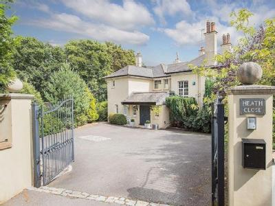 Budleigh Salterton, Devon - Detached