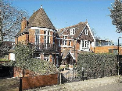 Elm Walk, Hampstead - Detached