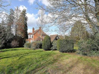 Greenway, Hutton Mount, Brentwood