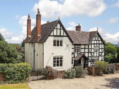 Lineholt Lane, Ombersley, Droitwich, Worcestershire, WR9