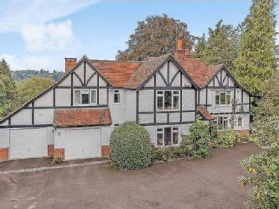 Petworth Road, Haslemere, Surrey