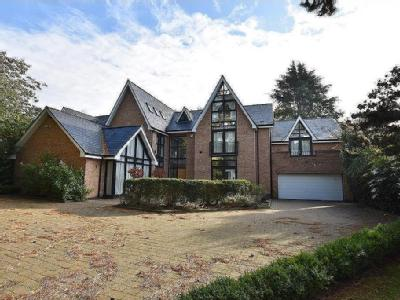 Barry Rise, Bowdon - Detached, Garden