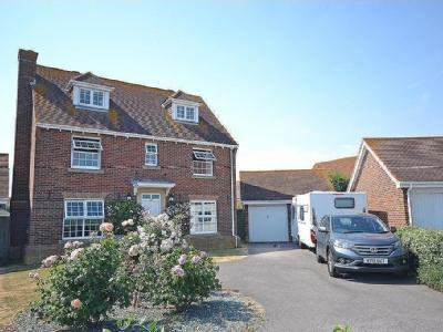 Beacon Drive, Selsey, PO20 - Detached