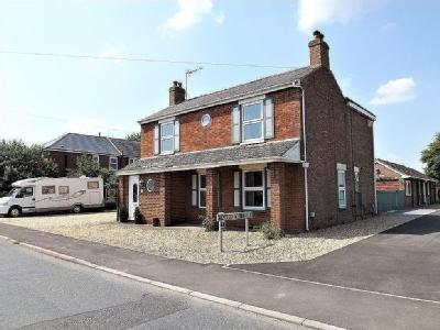 Fen Road, Holbeach - House & Cottage