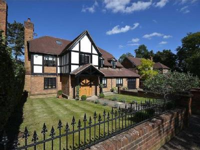 Old Orchard Close, Hadley Wood, Hertfordshire