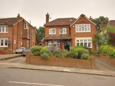 Old Park Ridings, Winchmore Hill N21