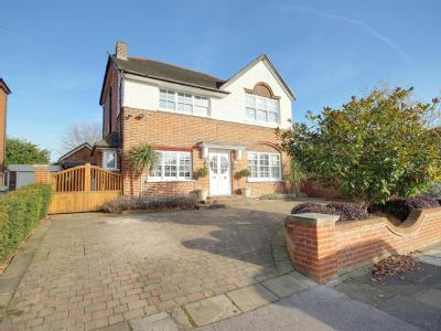 The Chine, Grange Park N21 - Detached