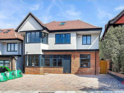 Vaughan Avenue, London NW4 - Detached