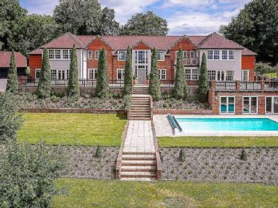 Fawley Bottom, Fawley, Henley-On-Thames, Oxfordshire, RG9
