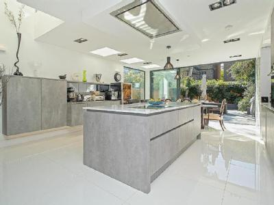 House for sale, Courthope Road