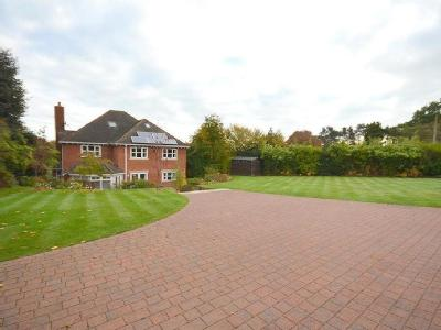 House for sale, Pinewood Road