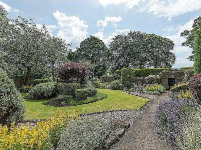 House for sale, High Seat - Garden