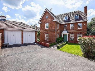 Hunts Field Close, Lymm - Detached
