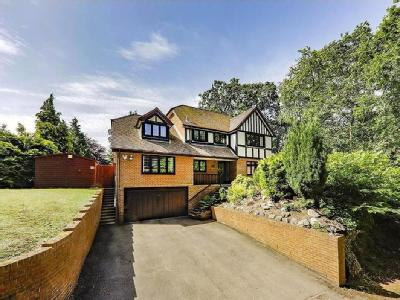 House for sale, Forest End - Detached
