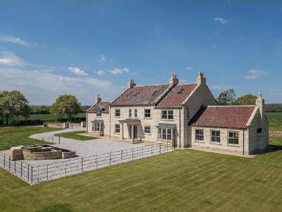6 bedroom House New Build in Wombleton