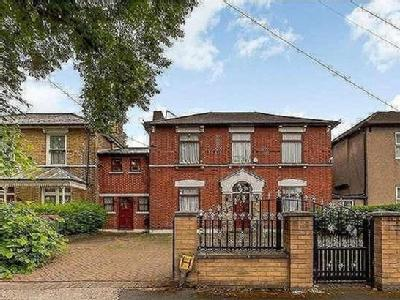 Flat for sale, Claremont Road - Patio